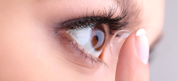 1400198225-1397584080-google-wants-patent-contact-lenses-that-can-snap-photos-2
